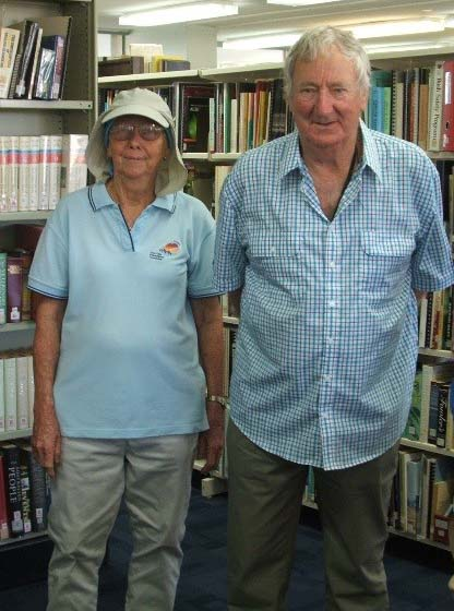 Retired veterinarians, Drs Denise McEwan ( L ) and Peter Hooper ( R ), visited the AZRI Department library, prior to heading out to view research cattle on the AZRI Farm and Old Man Plains Research Station.