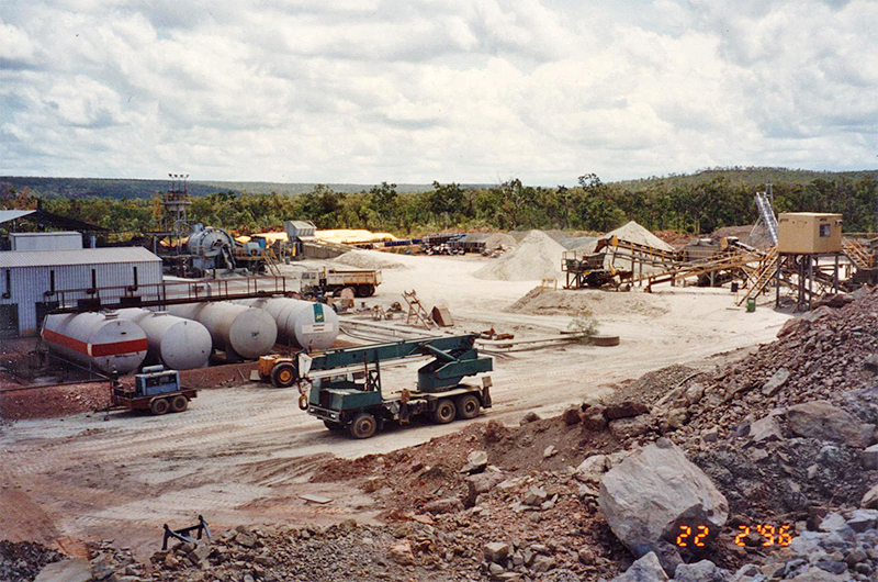 Sandy Flat Copper Mine in operation (February 1996).