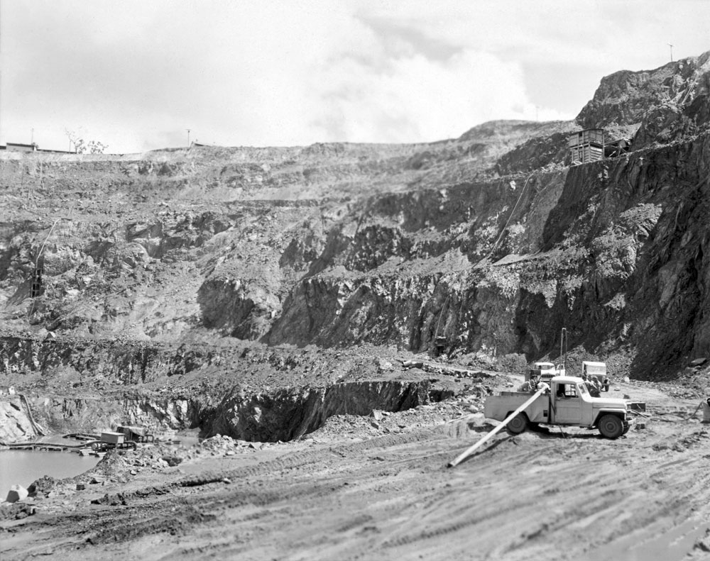 White's open cut pit, Rum Jungle (1958). National Archives of Australia: A1200, L25498