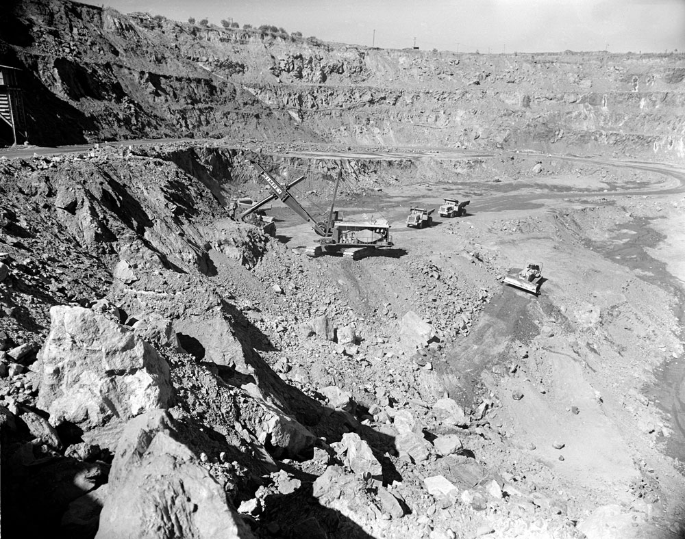 White's open cut pit, Rum Jungle (1957). National Archives of Australia: A1200, L23113