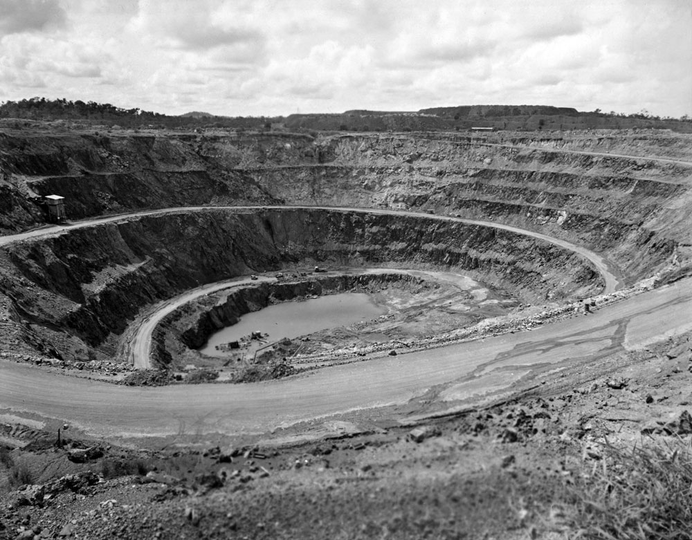 White's open cut pit, Rum Jungle (1958). National Archives of Australia: A1200, L25494